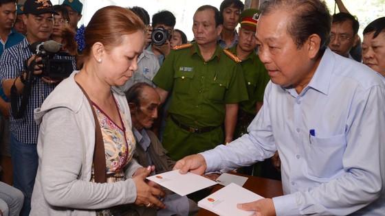 Phó Thủ trướng Trương Hòa Bình thị sát hiện trường vụ cháy Carina     ảnh 2