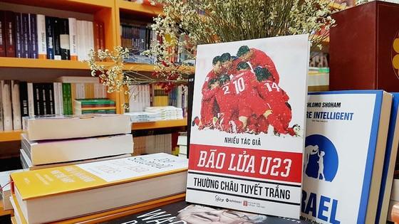 Ra mắt cuốn sách đầu tiên về Đội tuyển bóng đá U23 Việt Nam ảnh 1