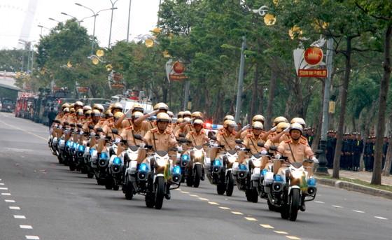 Xem lực lượng an ninh bảo vệ APEC luyện khí công và chống khủng bố, giải cứu con tin  ảnh 2