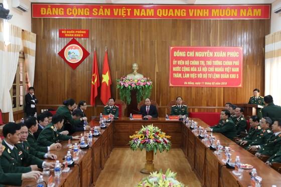 Thủ tướng Nguyễn Xuân Phúc thăm, chúc Tết Bộ Tư lệnh Quân khu V ảnh 1