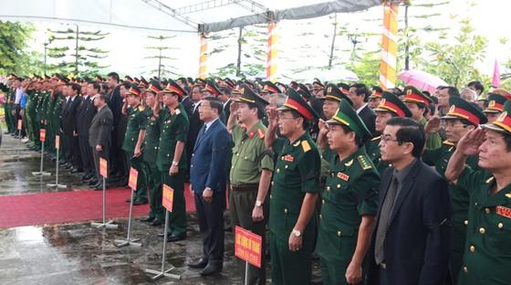 An táng 12 hài cốt liệt sĩ hy sinh trên đất bạn Lào ảnh 2