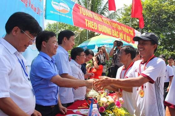 Sôi nổi giải đua thuyền toàn tỉnh Hà Tĩnh ngày 2-9  ảnh 6