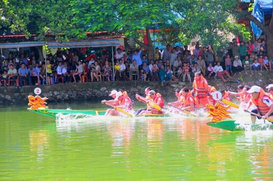Sôi nổi giải đua thuyền toàn tỉnh Hà Tĩnh ngày 2-9  ảnh 3
