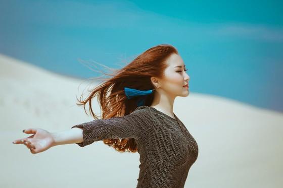 """Sau """"Em gái mưa"""" Hương Tràm ra mắt hit mới  ảnh 1"""