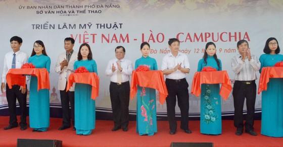 55 tác phẩm hội họa tham gia Triển lãm mỹ thuật Việt Nam - Lào - Campuchia ảnh 1