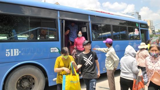Nâng cao văn hóa đi xe buýt ảnh 1