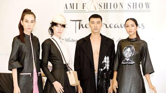 Show thời trang 4D đầu tiên tại Việt Nam ảnh 1