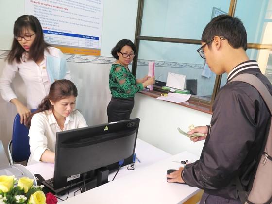 """Dịch vụ giải quyết hồ sơ hành chính qua bưu điện """"lên ngôi"""" ảnh 2"""