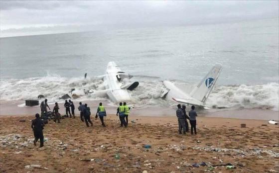 Máy bay rơi ở Bờ Biển Ngà ảnh 1