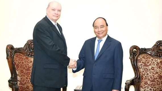 Thủ tướng Nguyễn Xuân Phúc và Bộ trưởng Ngoại thương và Đầu tư nước ngoài Cuba Rodrigo Malmierca Diaz