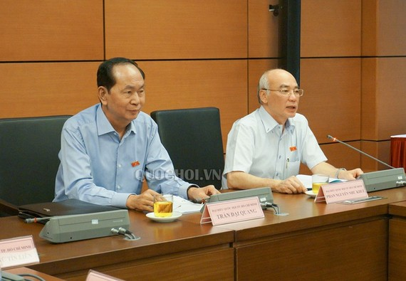 Chủ tịch nước Trần Đại Quang dự thảo luận tổ chiều 7-6