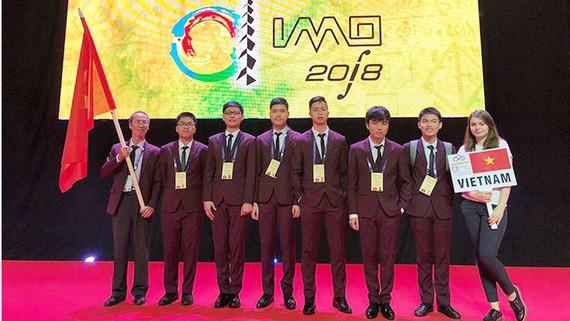 Đội tuyển thi toán quốc tế cửa Việt Nam
