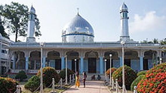 Thánh đường Hồi giáo Mas Jid Khoy Ri Yah ở xã Nhơn Hội, huyện An Phú, tỉnh An Giang. Ảnh: WIKIPEDIA