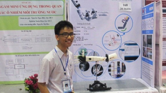 Pham Huy who invents robotic arm to help disabled people eventually gets visa to travel to the US (Photo: SGGP)