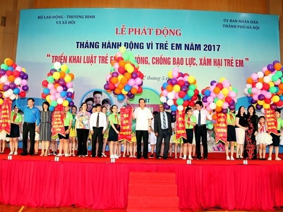 The action month for children 2017 was launched in Hanoi on May 27 (Photo: VNA)