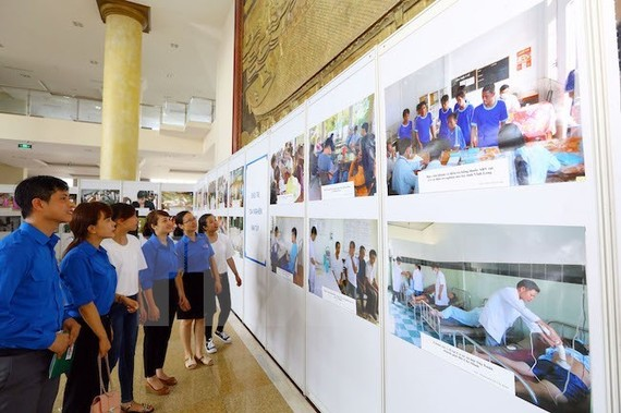 ​A photo exhibition on drug dangers ​held on the sidelines of the ceremony in Bac Giang (Photo: VNA)