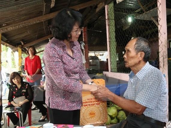Vice President Dang Thi Ngoc Thinh in Con Dao (Source: VNA)