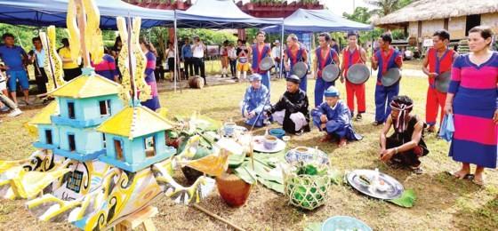 A unique festival of ethnic minority people in Vietnam (Photo: SGGP)