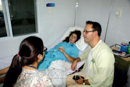 Isabelle Garrett Peel is staying in Da Nang Hospital (Photo: VNA)