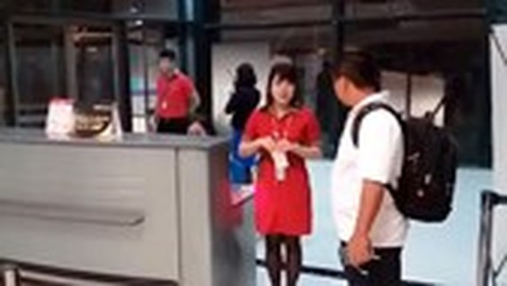 Aviation watchdog asks strict discipline for staff who teared passenger's ticket