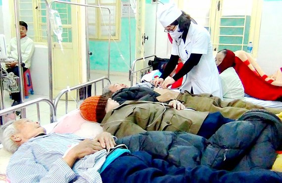 Many elderly people, kids hospitalized due to cold weather