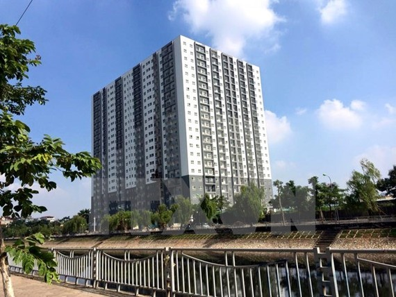 Hanoi's Construction Department has set up an inspection team to review apartment buildings and impose fines for violations in their use and management (Photo: VNA)