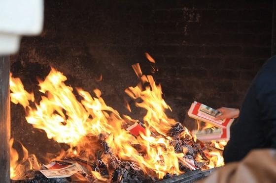 Buddhist Sangha proposes eliminating votive paper burning
