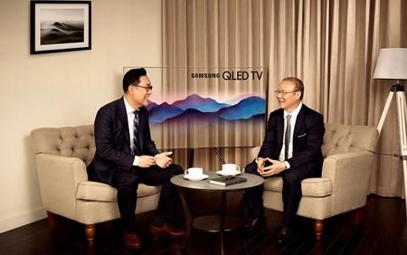 Mr. Kim Cheol Gi, CEO of Samsung Vina, and head coach Park Hang Seo
