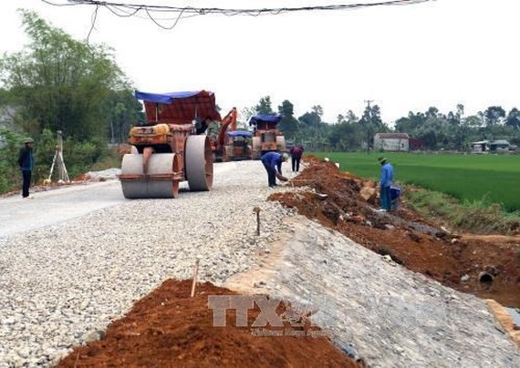 Building transport infrastructure in Yen Dinh district, Thanh Hoa province (Illustrative image. Source: VNA)