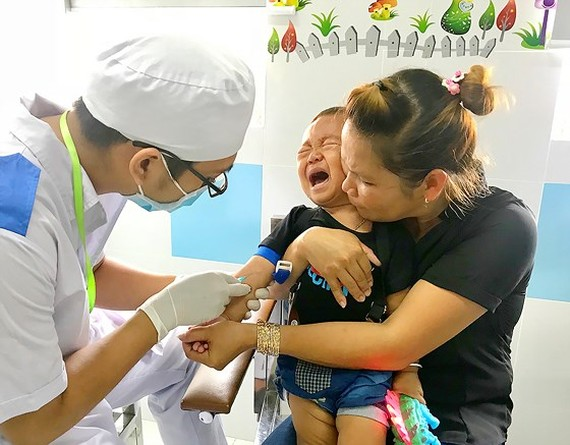 HCMC to pilot 24 district medical centers offering family medicine services