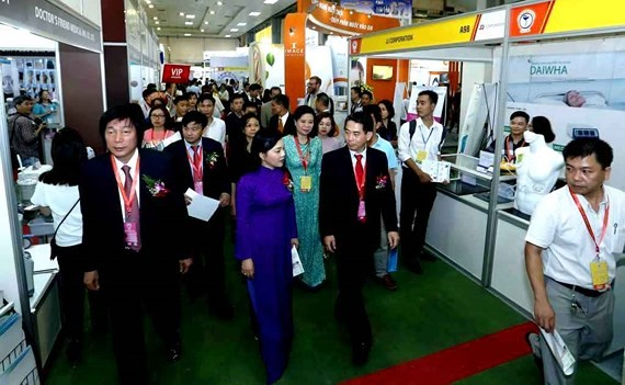 Vietnam Medi-Pharm chances for information exchange: Health Minister