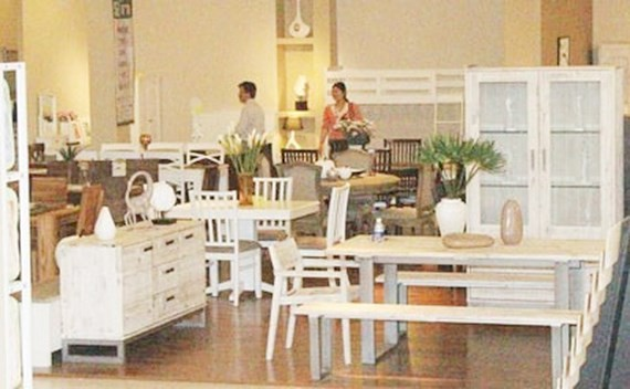Annual furniture fair takes place in HCMC