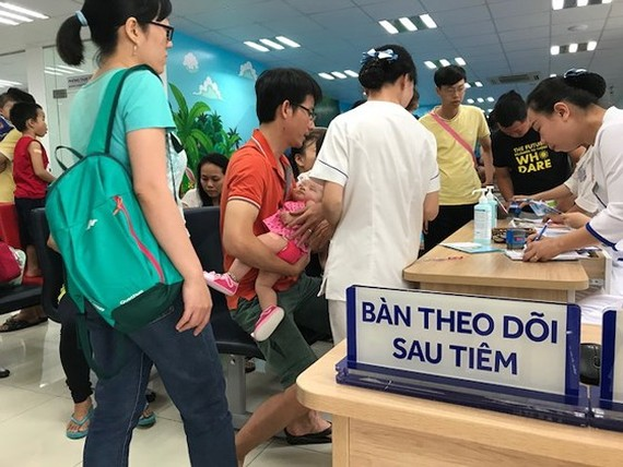 Vietnamese kids receive six-in-one vaccine