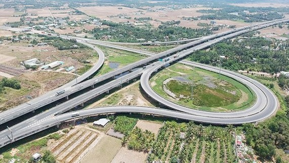 Ring roads No.3 links  HCMC,  Binh Duong Province and Long An Province (Photo: SGGP)
