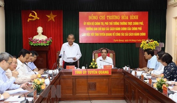 Permanent Deputy Prime Minister Truong Hoa Binh speaks at the working session (Source: VNA)