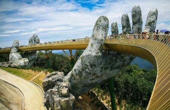 The Cau Vang (Golden Bridge) in the central coastal city of Da Nang (Photo: VNA)