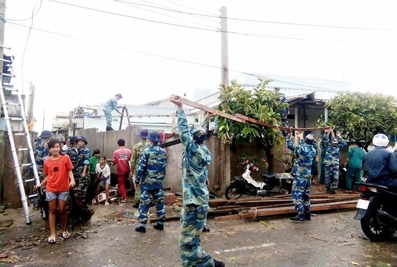 Strong wind blows off roofs of 60 houses, no casualties