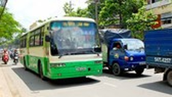More buses served for Nghinh Ong festival in Can Gio District