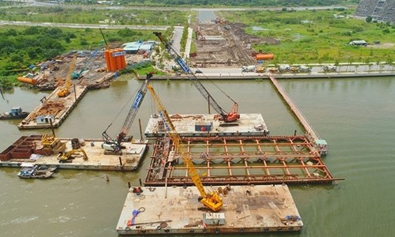 Sluggish site clearance leads to delay of Thu Thiem 2 Bridge