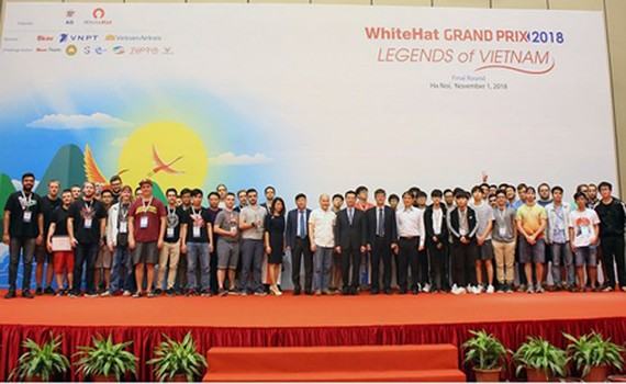 The awards ceremony of WhiteHat Grand Prix 2018 in the Vietnam National Convention Center in Hanoi. Photo by T.B