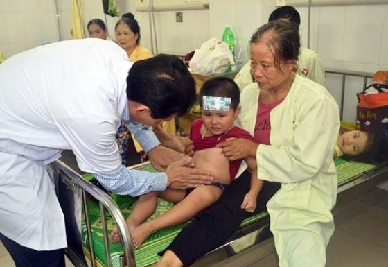 Over 200 kids, teachers hospitalized after buffet lunch