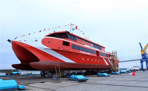 The Vietnamese-built catamaran Con Dao Express 36 (Photo: VNA)