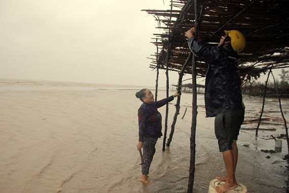 Residents in Ben Tre prepare for typhoon ( Photo: SGGP)