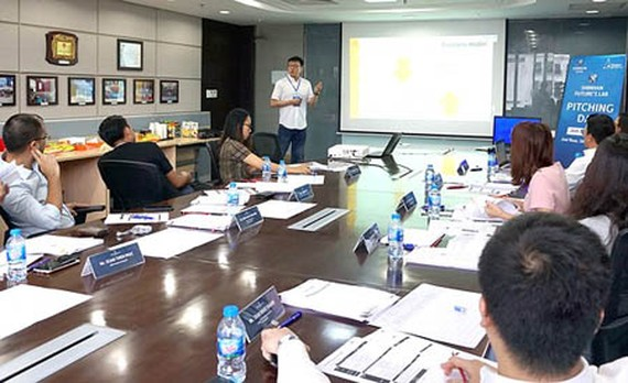 Vietnamese startups of the Runway To The World program visited South Korea to gain more experience and investigate the targeted market
