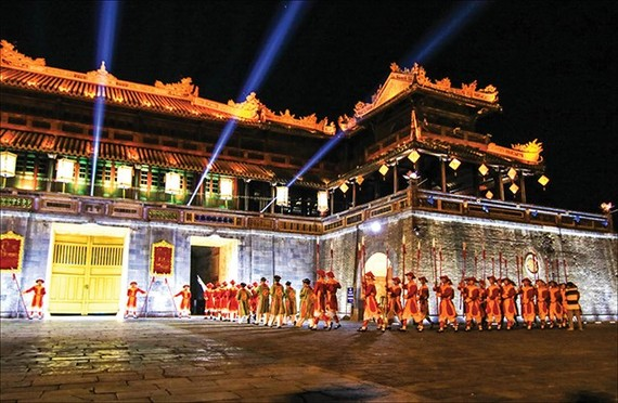 Hue Imperial Citadel at night (Photo: baothuathienhue.vn)