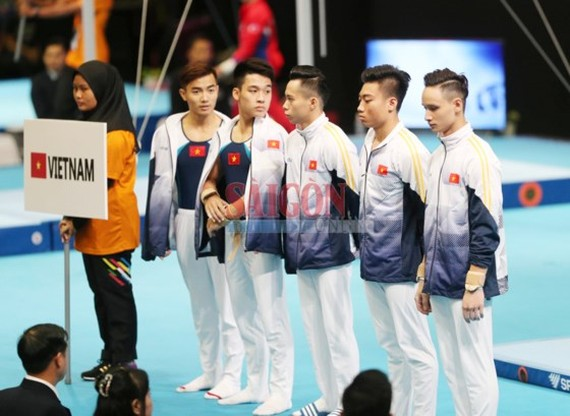 Vietnamese male gymnastic team excellently wins a gold medal at the 2017 SEA Games.