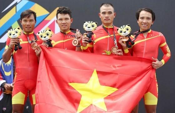 Vietnamese male racers bring one bronze medal