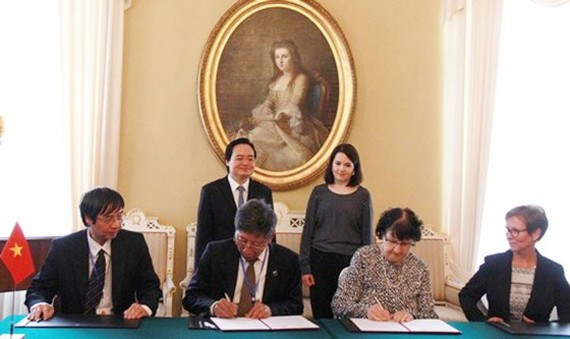 Vietnam and Finland sign agreement on educational cooperation