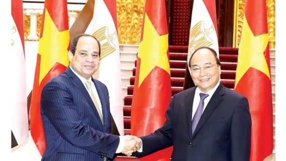 Vietnamese Prime Minister Nguyen Xuan Phuc and Egyptian President Abdel Fattah el-Sisi