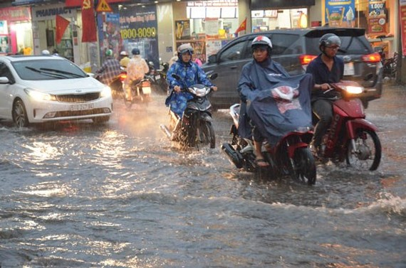 Ho Chi Minh City experiences heavy rain